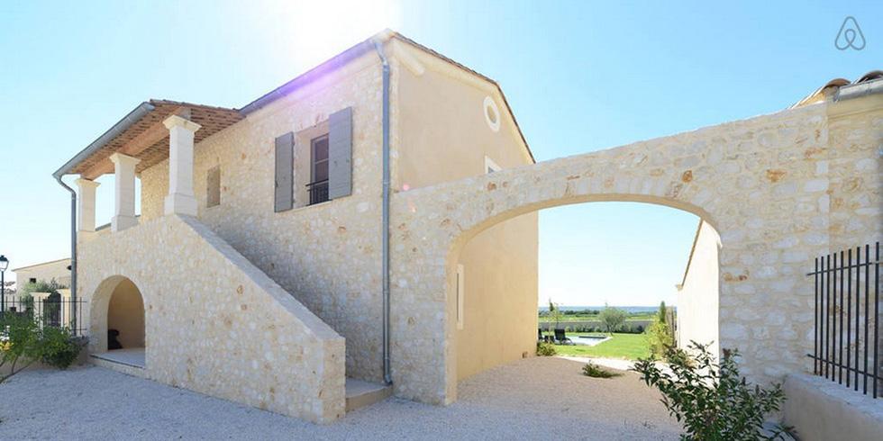 Location Mas en pierre Gard Provençal
